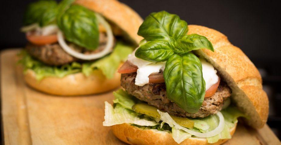 I falsi miti alimentari: numero di pasti, oli di semi e grassi saturi